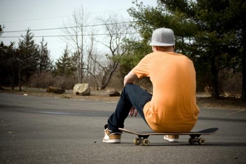 575882-skateboarder