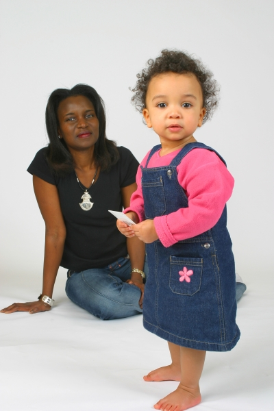 5560412-s-mother-and-daughter